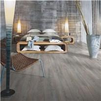Klicka här för att gå till Laminatgolv Pergo Classic Plank 4v Kalkad Grå Ek 1-Stav